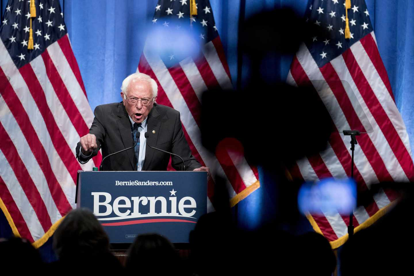 Bernie Sanders plans To Cancel Students Loan Debt