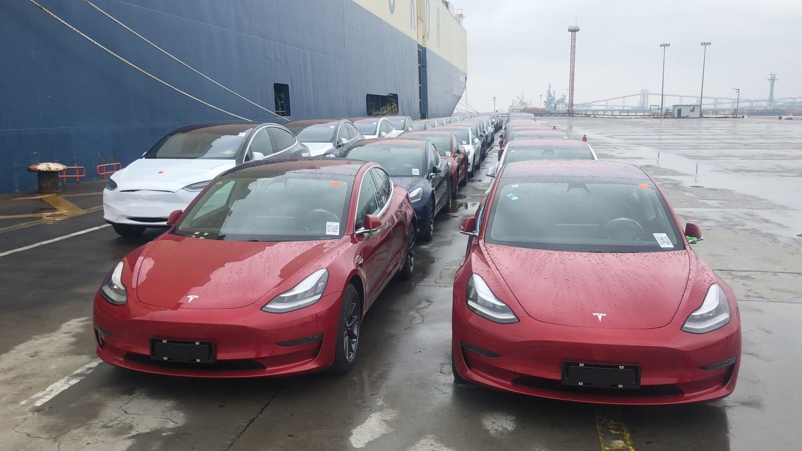 Tesla set a record by delivering 95,000 Cars in this spring